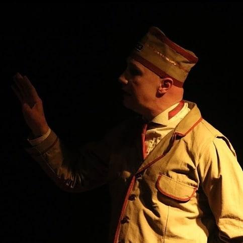 """Esquizo-poesía y rutina: reseña sobre """"Hölderlin: la torre de Neckar"""" de Alejandro Spangaro"""